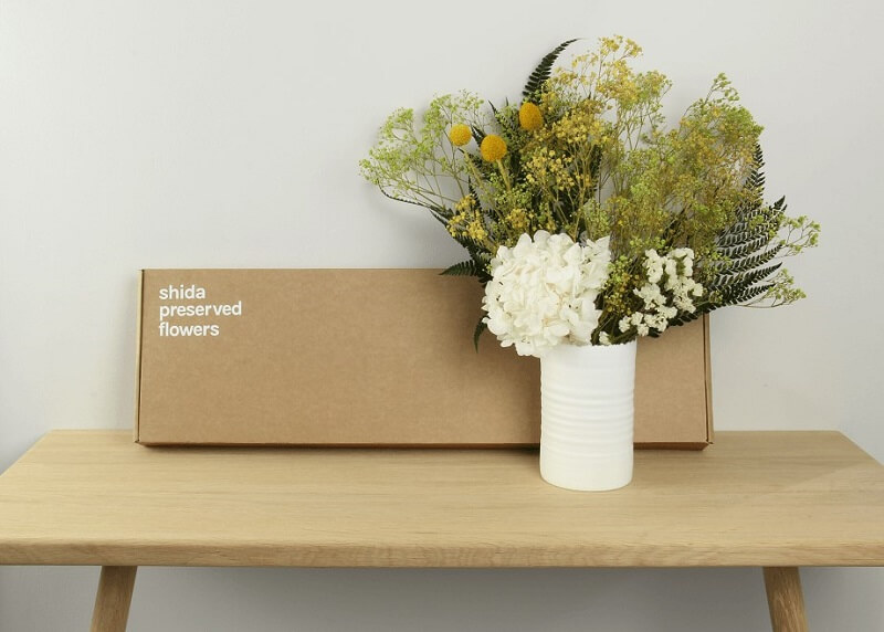 shida preserved flower bouquet with packaging